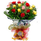 Wedding Gifts with 18 Mixed roses Bouquet to Chennai Delivery