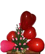Valentines Day Gifts with 18 Roses Basket & 5 Heart Balloon to Chennai Delivery